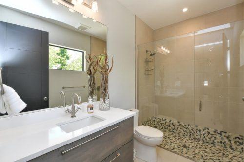 Longboat Modern Bathroom